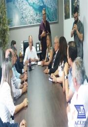Prefeito assina decreto municipal autorizando horário especial em dezembro.