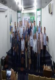 Associações comerciais discutem com Reinaldo Azambuja a revisão do ICMS da gasolina